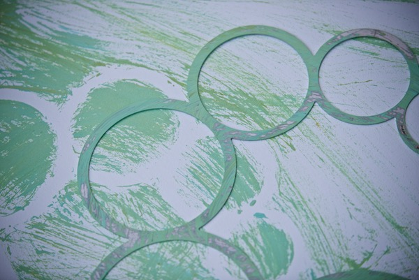 WindFire Designs Metal Circle Tool Template used with green oil paint