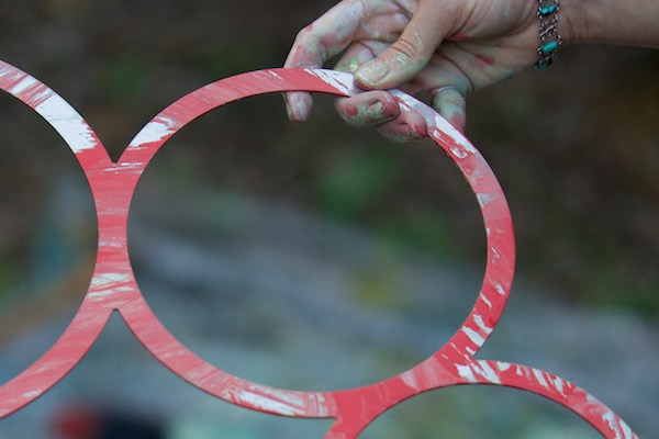 WindFire Designs Metal Circle Tool Template ruth whiting painting with red and after it wipes clean with all kinds of solvents