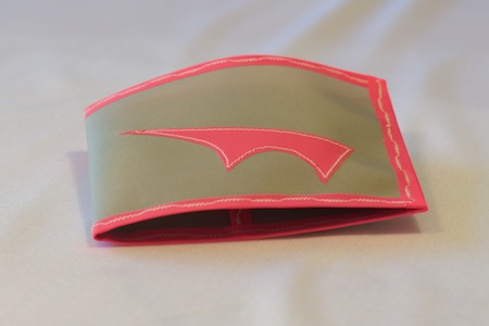 Pointy Spendy Wallet light grey with pink trim folded